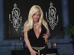 Nasty Diamond Foxxx receives her massive mambos out