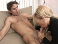 Milf acquires on her knees to give blowjob
